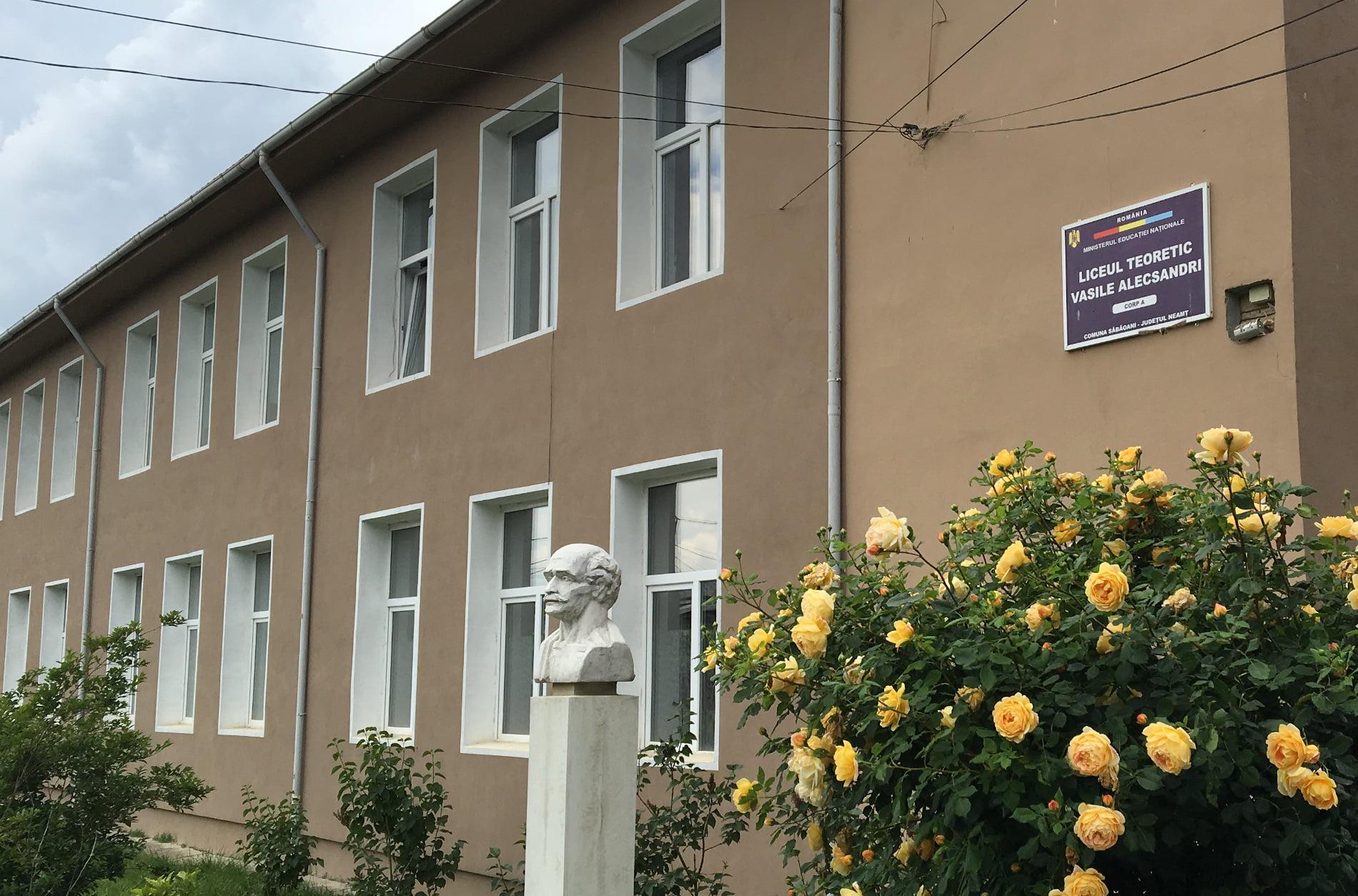 """""""Universul cunoașterii prin lectură"""", la Liceul Teoretic """"Vasile Alecsandri"""" din Săbăoani"""