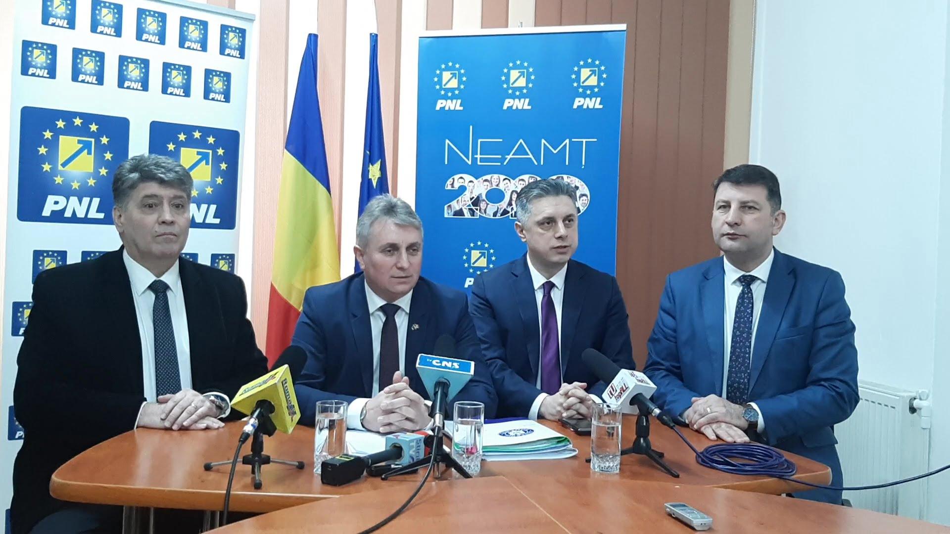 Ministrul Transporturilor a prezentat la Roman soluțiile pentru problemele de infrastructură