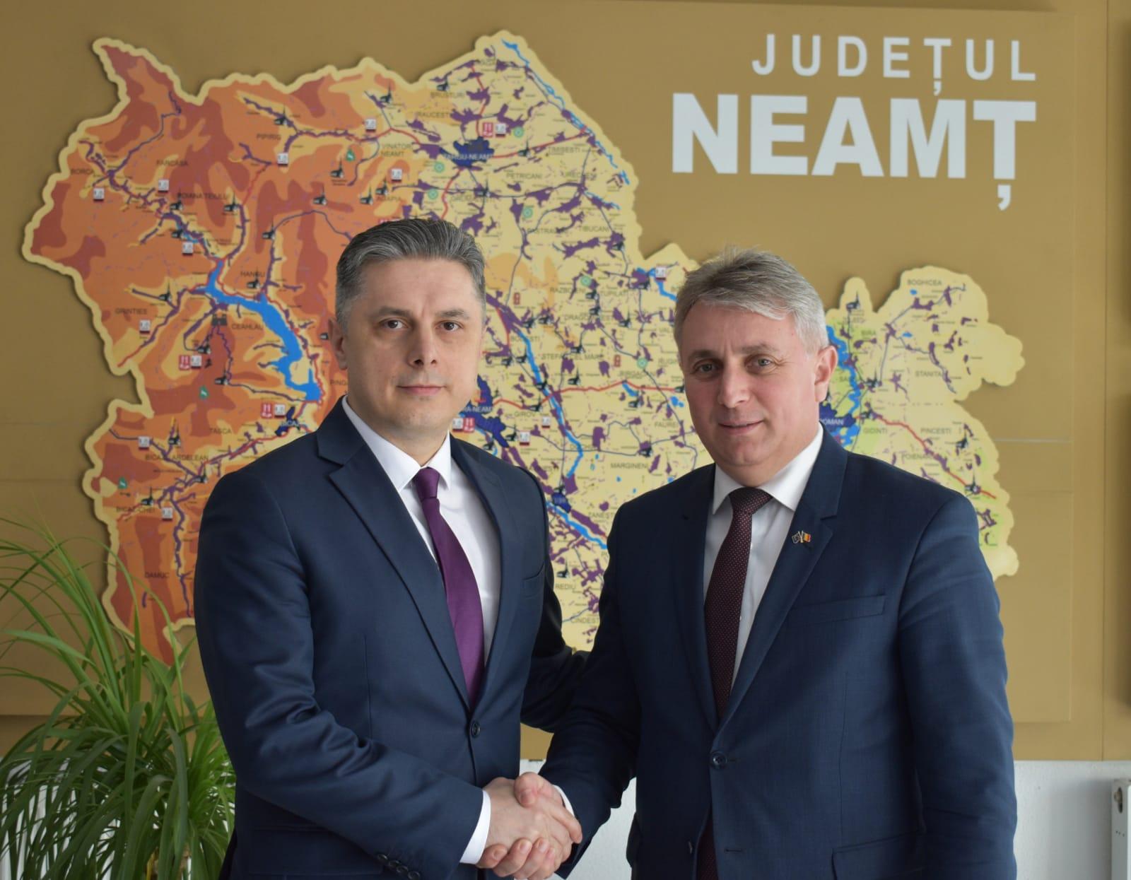 """Deputatul Mugur Cozmanciuc: """"Infrastructura rutieră din județul Neamț, o prioritate pentru Guvernul PNL"""""""