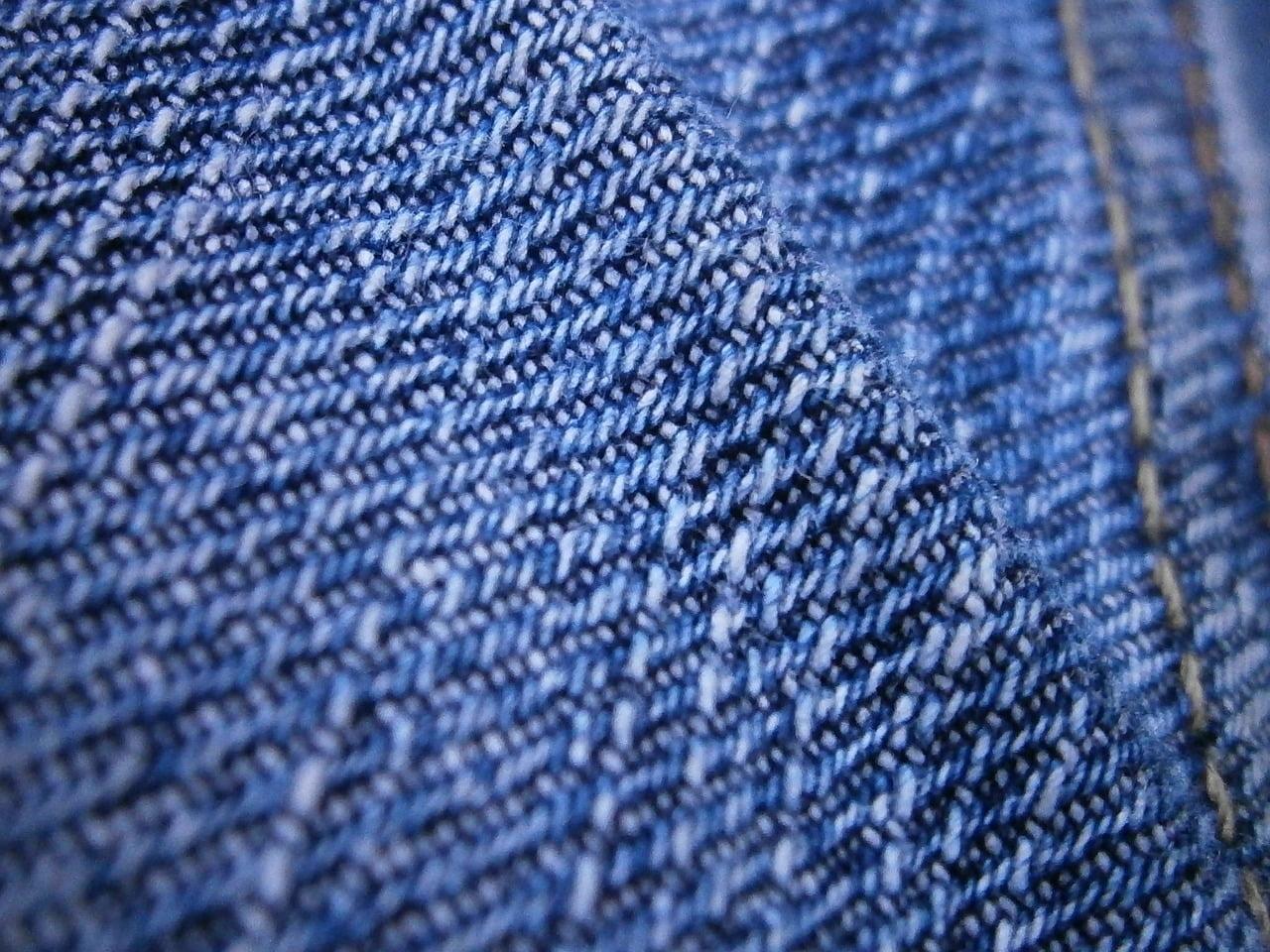 Blugii indigo – cea mai practică alegere în sezonul de primăvară 2020