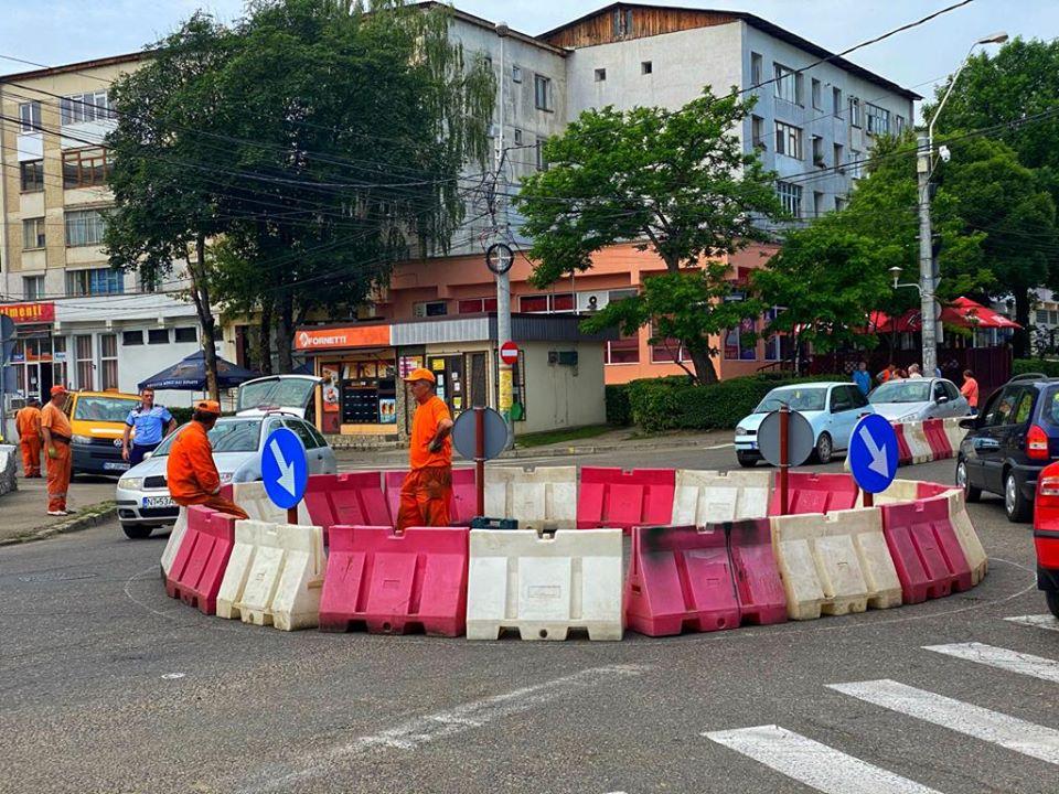 Sens giratoriu în intersecția bulevardului Republicii cu străzile Primăverii și Mihai Eminescu