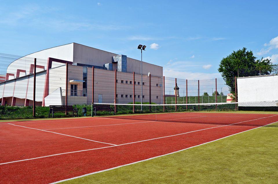 Acces la terenurile de tenis de lângă Sala Sporturilor. Cum se pot face programările