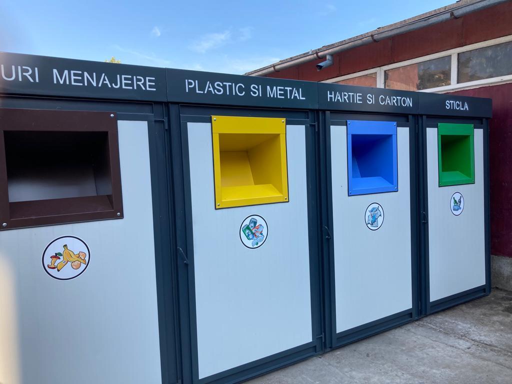 Au fost instalate noile platforme pentru deșeuri, prin proiectul de bugetare participativă