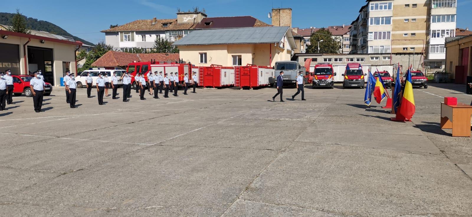 Pompieri avansați în grad, la ISU Neamț