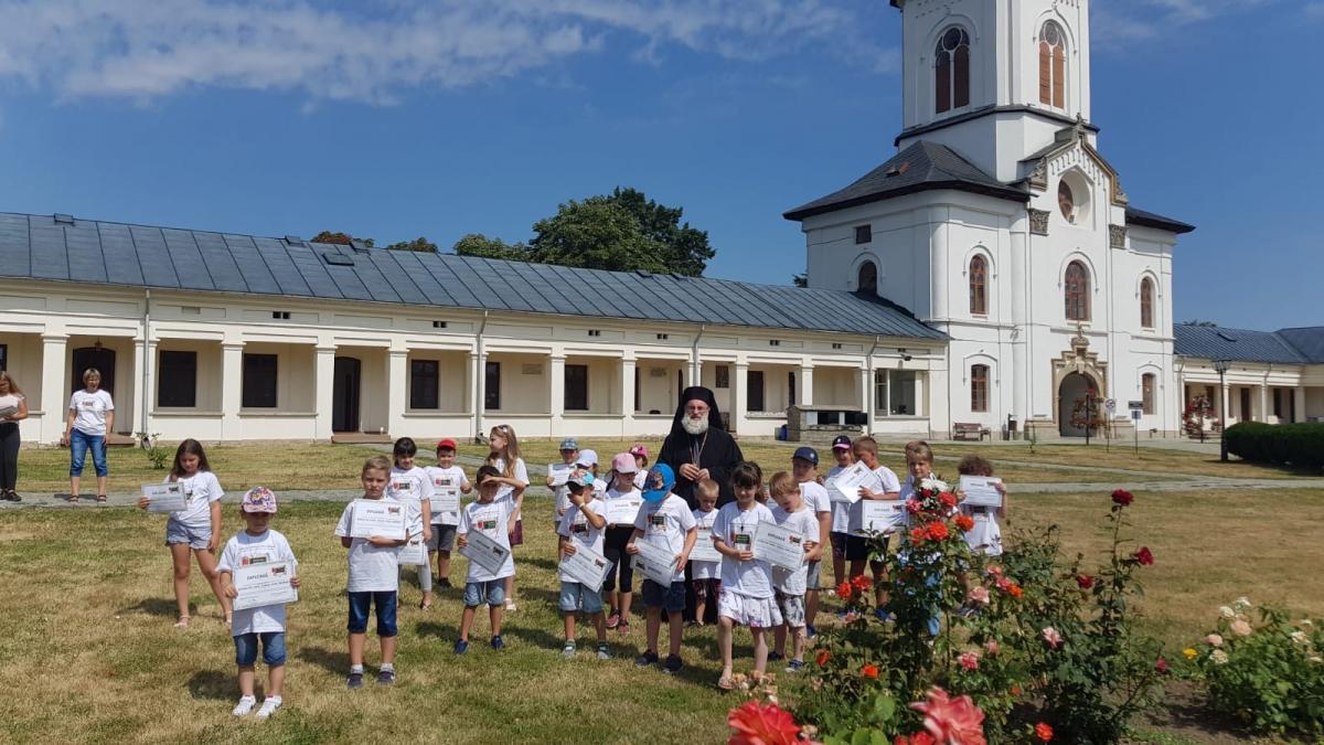 """Program educativ-recreativ oferit copiilor Centrului de Zi al Fundației """"Episcop Melchisedec"""""""