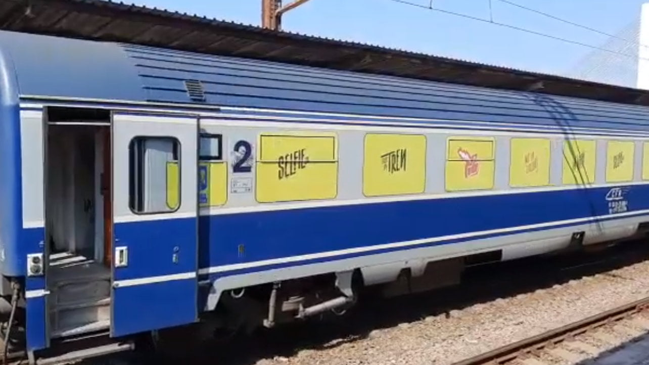 """[VIDEO] Campania națională """"Selfie-ul pe tren nu ia like-uri, ia vieți"""", în Gara Roman"""