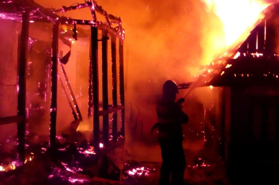 Incendiile au luat nouă vieți în Neamț, în acest an