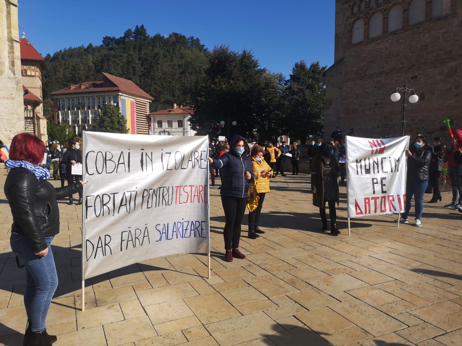 """FOTO: """"Greva angajaților din DGASPC Neamț, ignorată de toți factorii politici"""""""