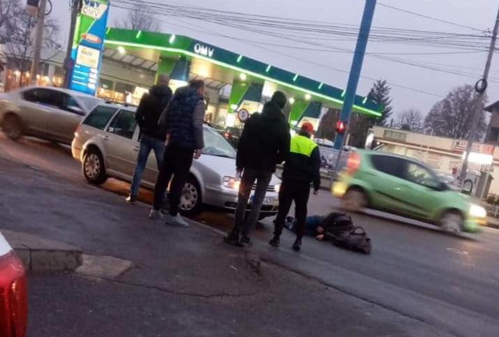 Accident rutier la Gară. Un pieton a traversat pe roșu