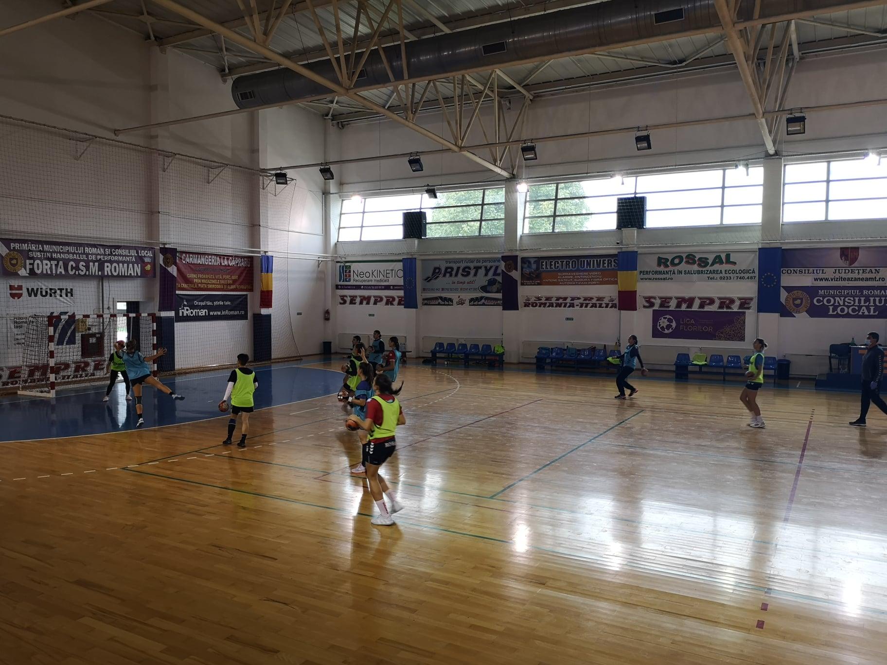CSM Roman participă la primul turneu al Diviziei A de handbal. Meciuri live pe site-ul FRH