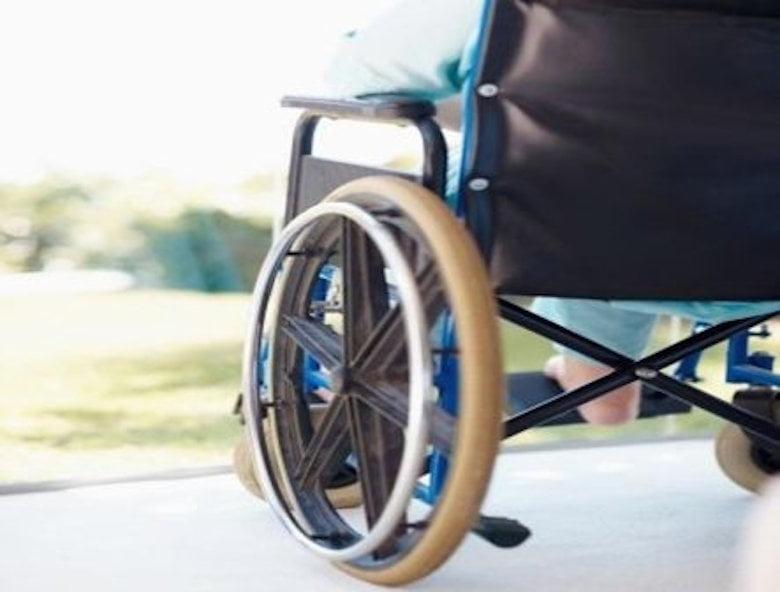 Recuperare gratuită la domiciliu pentru copiii cu dizabilități din Roman, prin intermediul unui proiect al DGASPC Neamț