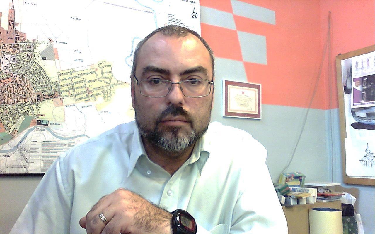 Iulian Negru a renunțat la funcția de arhitect șef al municipiului Roman
