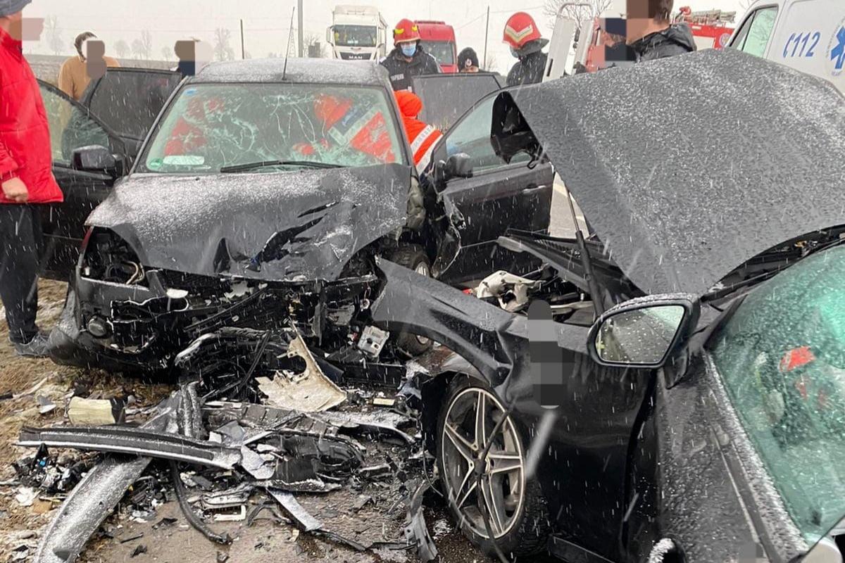 Două accidente pe E85, unul după altul, în Traian și în zona depozitului Lidl