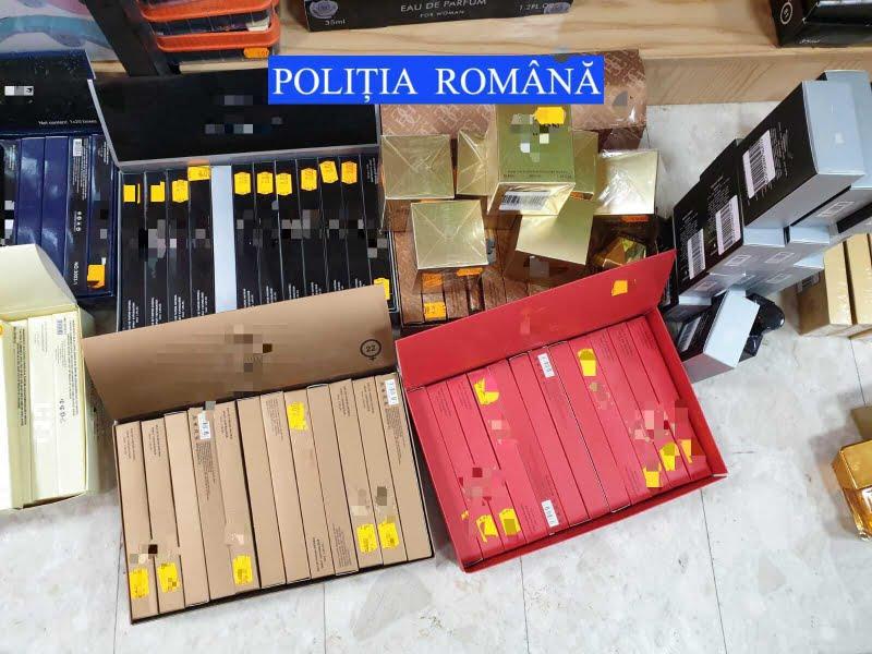 Mărfuri de peste 12.000 de lei, confiscate de polițiști de la două magazine din Roman