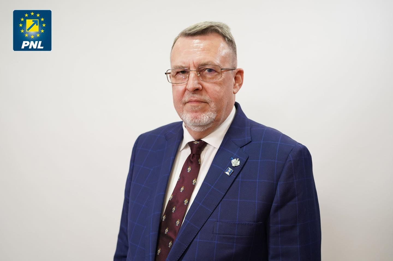 Senatorul Eugen Țapu, președinte interimar al PNL Neamț. Deputatul Mugur Cozmanciuc s-a autosuspendat