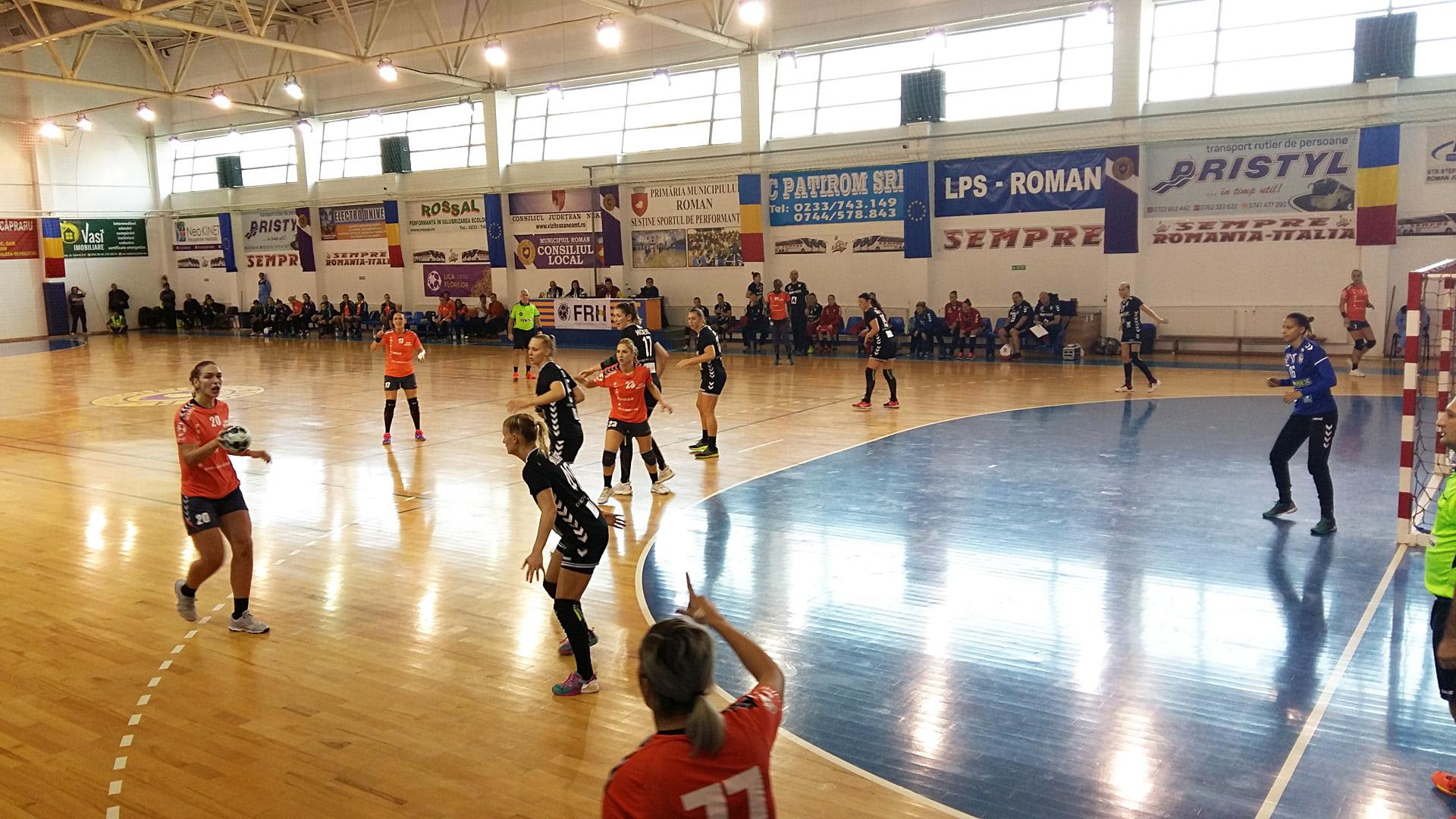 Cupa EHF: Victorie de palmares pentru CSM Roman în fața Dunaujvaros, dar unguroaicele se califică în turul următor