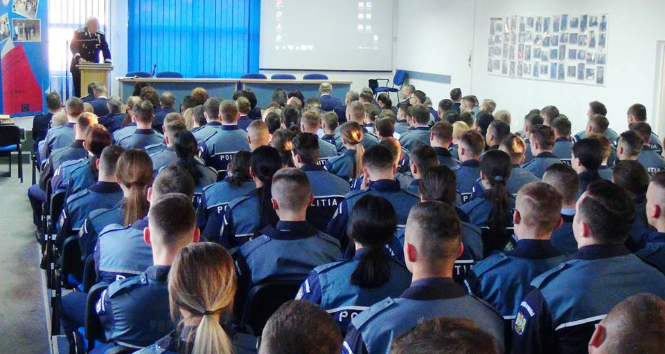 Încep înscrierile pentru admiterea la școlile de agenți de poliție
