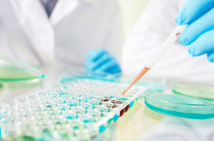 Opt cazuri noi de infecție COVID-19 în Neamț. Care este luni incidența pe localități în județ