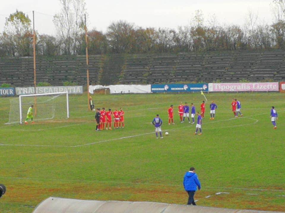 Patru victorii consecutive pentru fotbaliștii CSM Roman