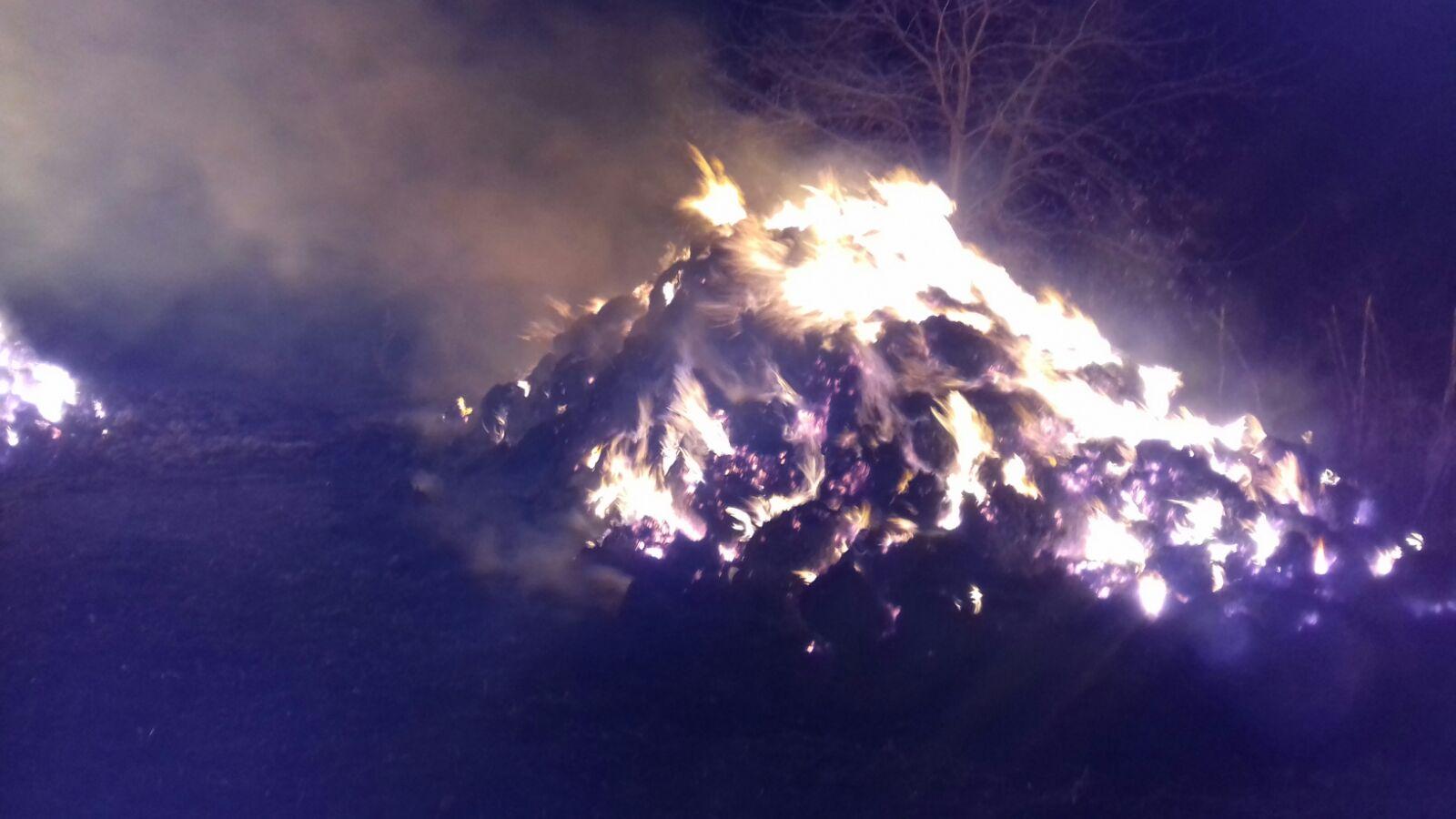 Depozit de furaje incendiat intenționat, la Stănița
