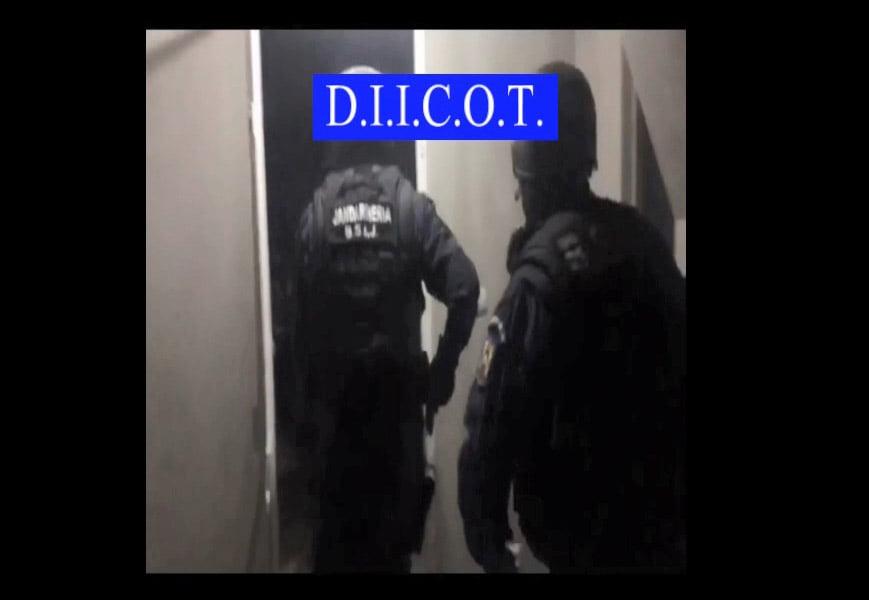 [VIDEO] Cinci percheziții în Neamț, pentru destructurarea unei grupări specializate în omor, tâlhărie şi şantaj în Irlanda