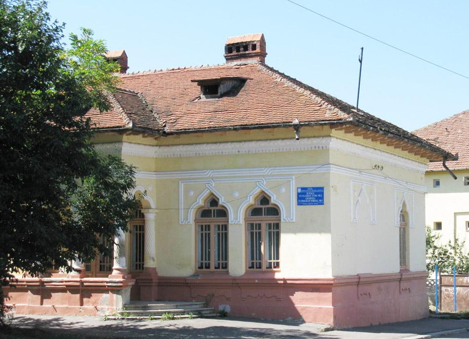 Primăria plătește chirie de 750 de euro pentru grădinița din Ion Ionescu de la Brad
