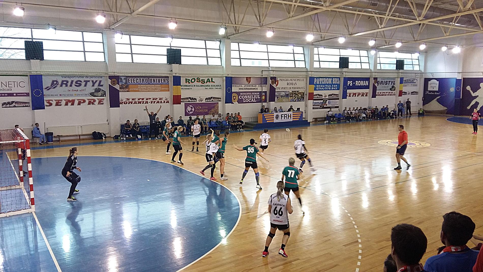 Handbalistele CSM Roman joacă luni în deplasare la CSM Bistrița