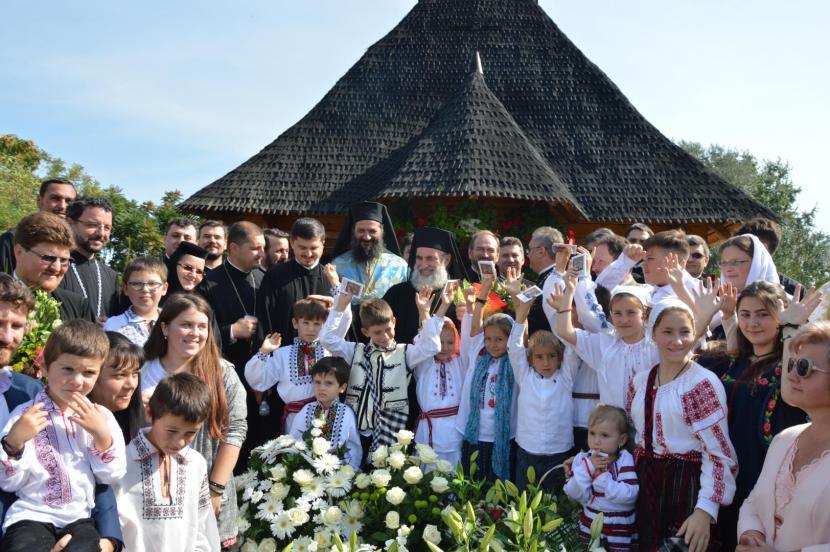 Slujire și binecuvântare la Biserica Copiilor din Roman