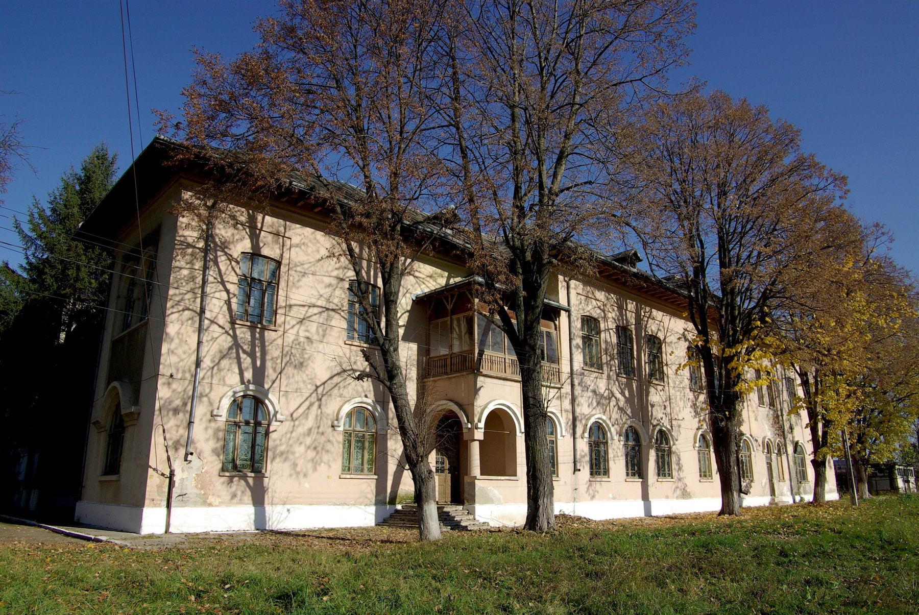 Centru pentru reeducarea minorilor delicvenți, la Roman