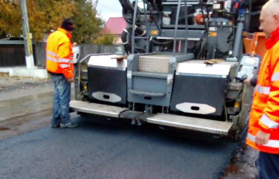 Lucrări de asfaltare pe DN 15D, pe sectorul Gâdinţi – Negreşti