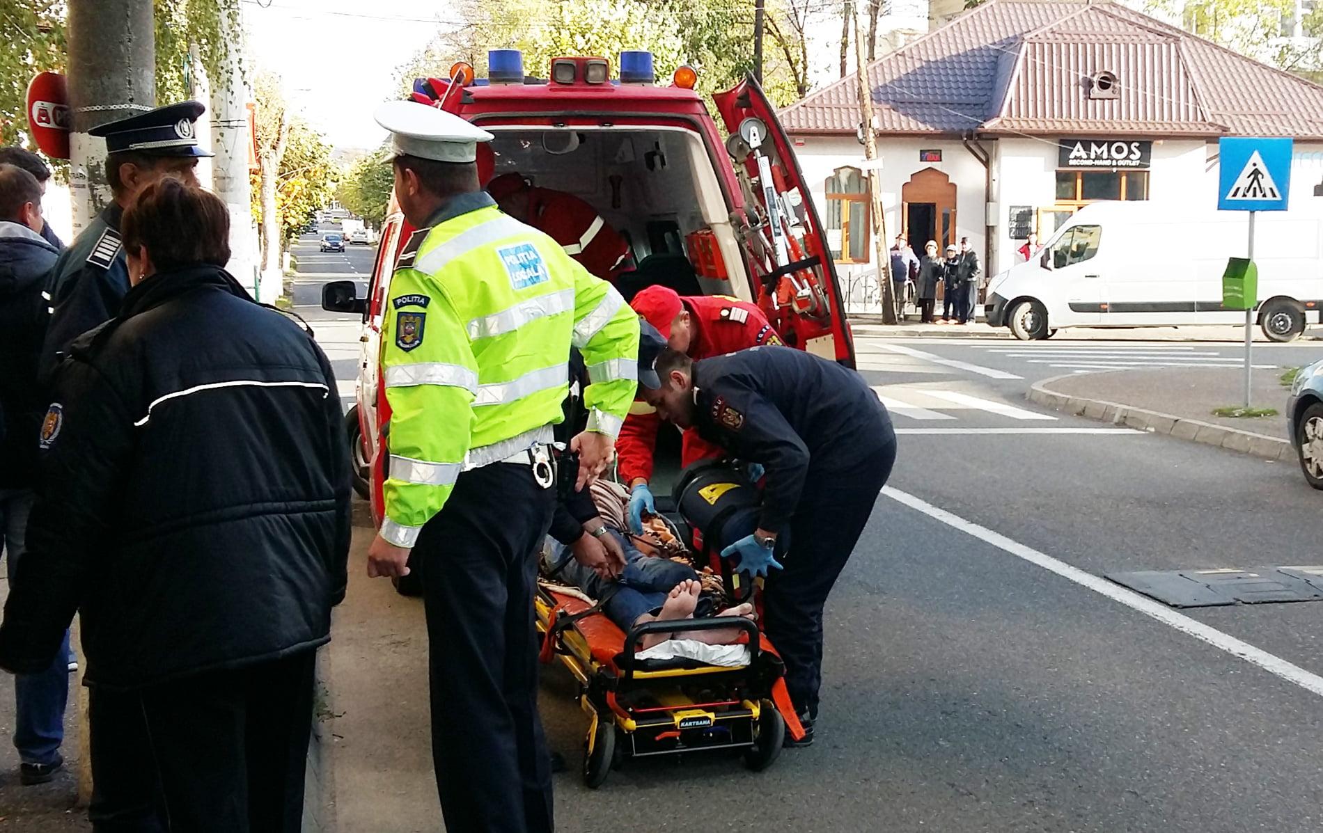Bărbat dus la spital după un incendiu pe strada Smirodava